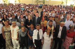 Indígena de 100 anos oficializa matrimônio em casamento coletivo no interior do Amazonas