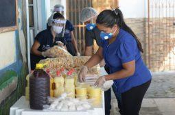 Sejusc entrega lanches adquiridos pelo Governo do AM a abrigos de idosos e pessoas em vulnerabilidade social