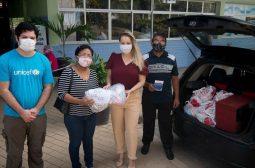 Kits de higiene doados pelo Unicef são entregues para 50 grupos de idosos cadastrados na Sejusc