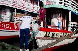 Governo do Amazonas, por meio da Sejusc, distribui 5 mil máscaras no Centro de Manaus