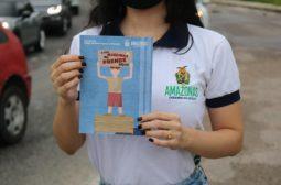 Sejusc realiza campanha 'A sua moedinha me prende aqui' nos semáforos de Manaus