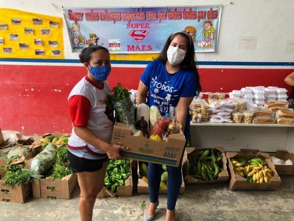 Governo do Amazonas doa alimentos para instituições que atendem públicos em risco social