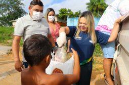 Governo do Amazonas entrega cinco toneladas de pescado em Rio Preto da Eva na Sexta-feira Santa