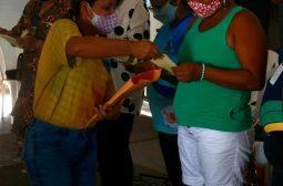 Acolhidos em Abrigo Emergencial do Governo do Estado recebem evento em homenagem ao Dia das Mães